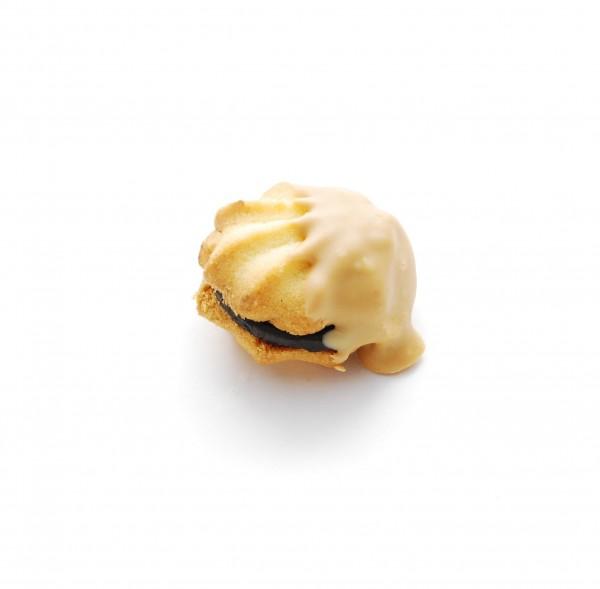 Gold-Tatze